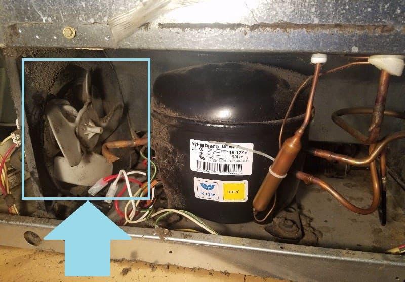 Вентилятор компрессора в холодильнике