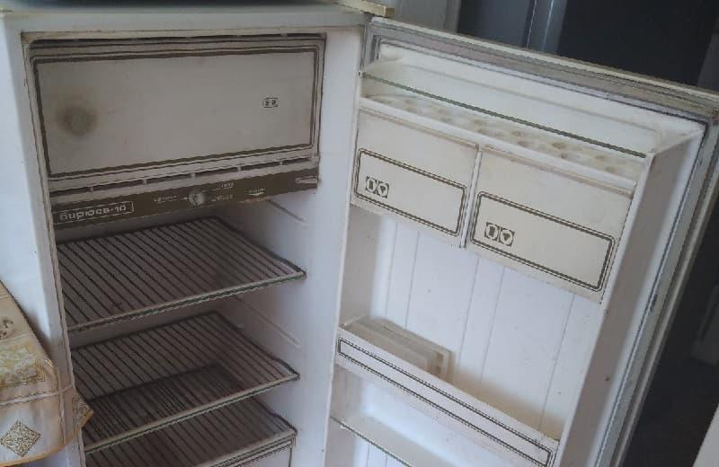 Холодильник Бирюса 10 80-х годов выпуска