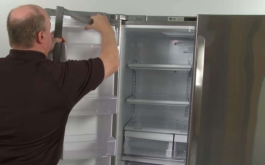 Демонтаж дверного уплотнителя в холодильнике LG